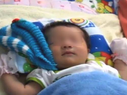 Sức sống mãnh liệt bé gái 13 ngày tuổi bị dìm nước-1