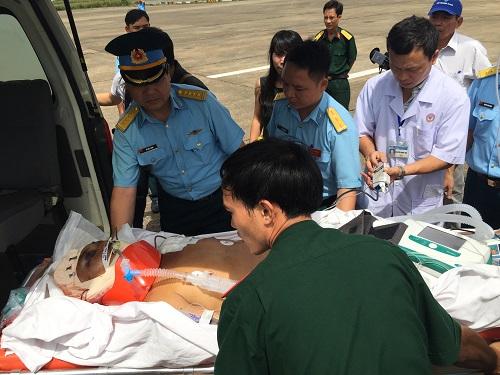 Thuyền viên gặp nạn ở Trường Sa đã tử vong-1