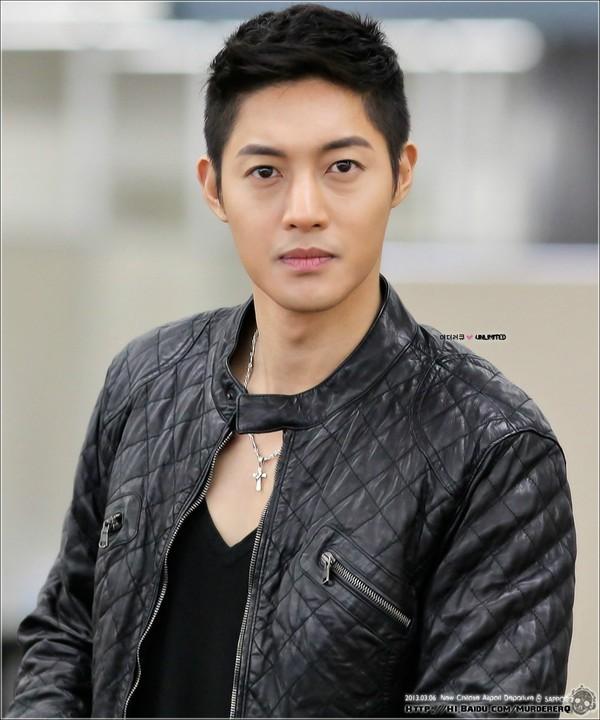 ban gai cu cua kim hyun joong sinh con - 2