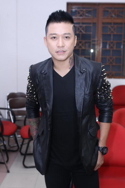 """my tam, son tung vat va vuot hang rao """"fan cuong"""" - 14"""