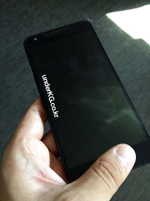 nexus 5x lo anh xanh bac ha, so dang voi iphone 6s - 2