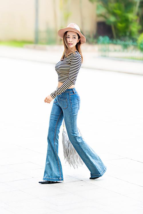 jennifer pham mac quan jeans khoe vong 3 cong tron - 1
