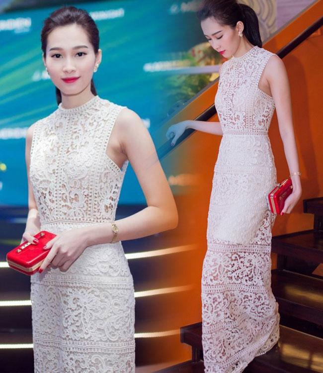 Đặng Thu Thảo vốn rất quen thuộc với những bộ đầm kín đáo, thanh lịch nhưng mới đây cô cũng thử làm mới hình ảnh với váy xuyên thấu gợi cảm. Dù diện một thiết kể 'hở' từ đầu đến chân nhưng nhờ chọn nội y khéo léo, Hoa hậu Việt Nam vẫn được ca ngợi hết lời.