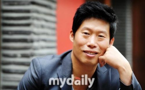 Quản lý phủ nhận Lee Min Ho và Suzy chia tay - 10