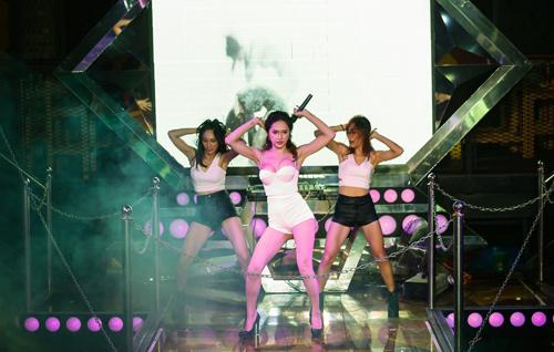 huong giang idol quyen ru ngay ra mat mv - 10