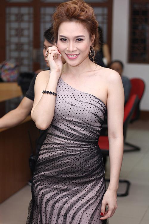 luu thien huong benh vuc fan my tam truoc on ao - 5