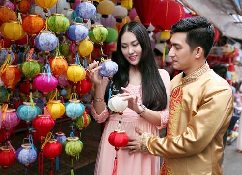 ba bau phi thanh van dao pho long den cung chong - 6