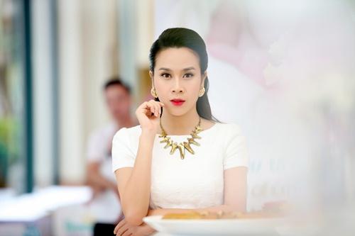 "vo chong luu huong giang tung ""hoang mang"" truoc khi sinh be thu 2 - 6"