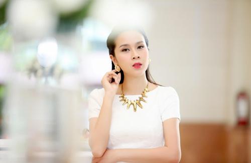 "vo chong luu huong giang tung ""hoang mang"" truoc khi sinh be thu 2 - 5"