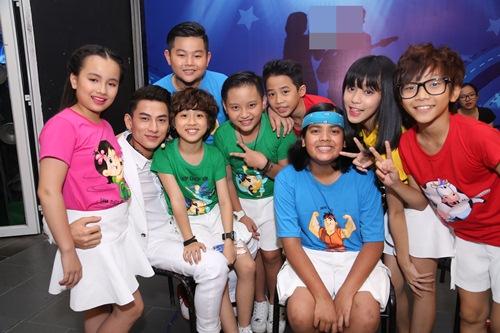 "isaac - chang my nam ""van con nit me"" cua vietnam idol kids - 12"