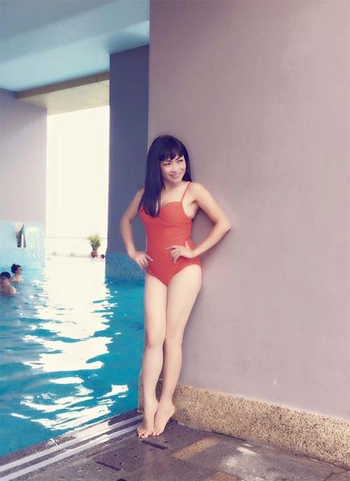 43 tuổi, Phương Thanh vẫn gợi cảm với bikini-1