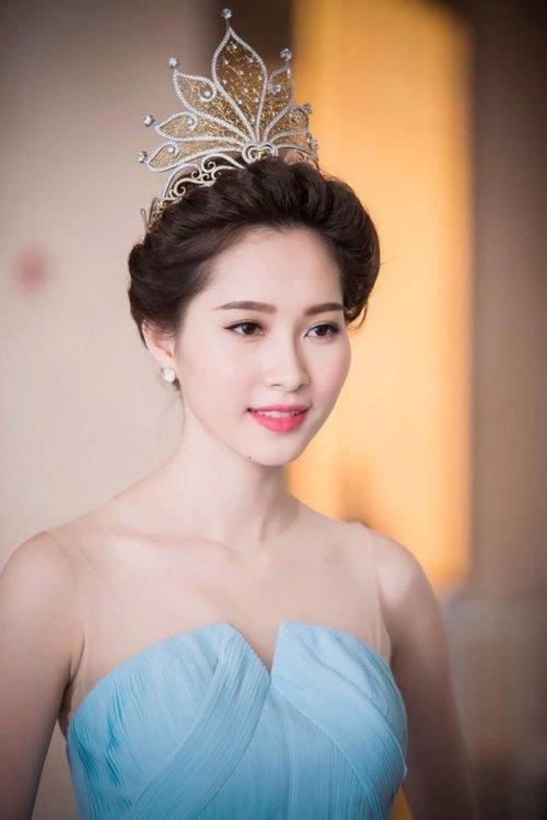 Phát hoảng khi bóc giá loạt vương miện của Hoa hậu Việt-3