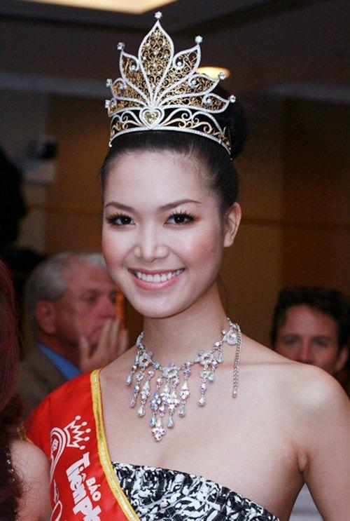 Phát hoảng khi bóc giá loạt vương miện của Hoa hậu Việt-5