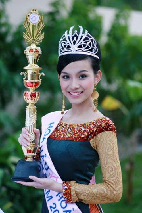 Phát hoảng khi bóc giá loạt vương miện của Hoa hậu Việt-7