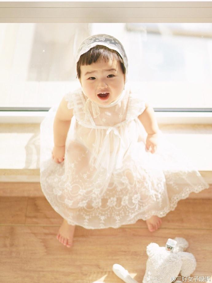 Những hình ảnh cực đáng yêu của bé gái 'thánh ăn'-4