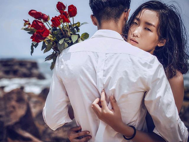 don tien cho ban gai tham mi dep nhu hoa de roi co ay ngoai tinh - 1
