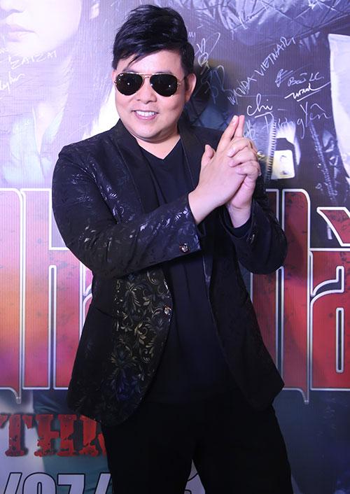 """quang le, quach tuan du di xem phim cung nu dj """"nong bong"""" - 2"""