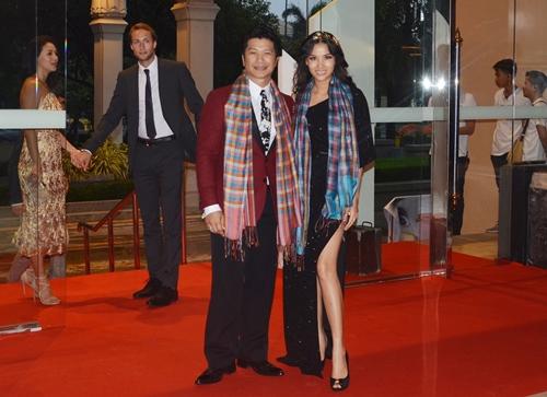 dustin nguyen - bebe pham tay trong tay du festival film tai thai lan - 1