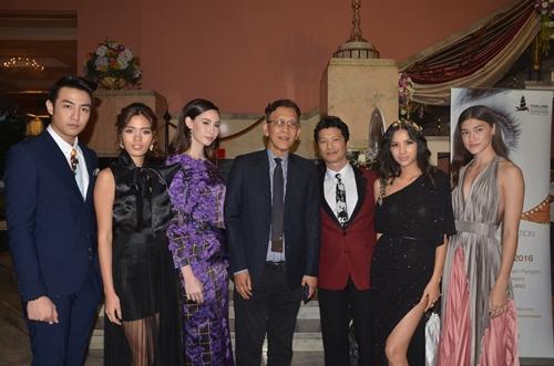 dustin nguyen - bebe pham tay trong tay du festival film tai thai lan - 2