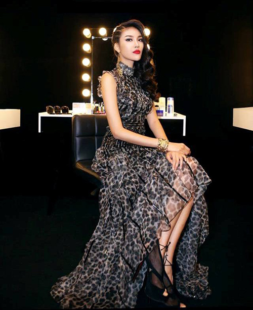 the face viet nam: stylist lam gi de lan khue khong lep ve ha ho, pham huong? - 5