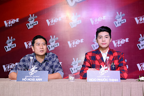 "hlv the voice kids ""dua nhau"" xin loi vi di hop bao tre - 5"