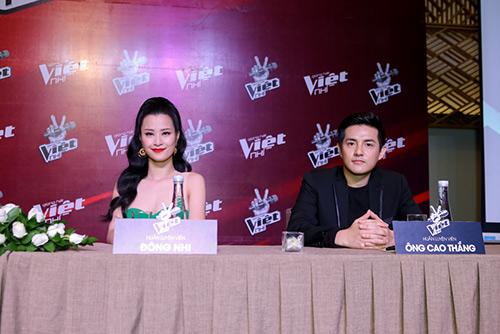 "hlv the voice kids ""dua nhau"" xin loi vi di hop bao tre - 9"