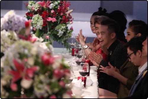 the face tap 5: thu thuy benh vuc pham huong giua tam bao chi trich - 7