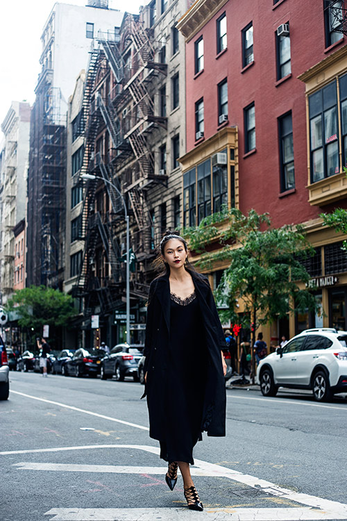 street style cuon hut cua mau thuy tren duong pho new york - 7