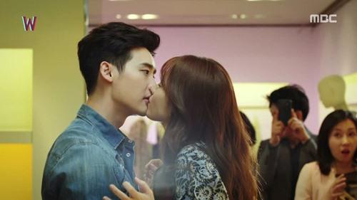 """het tat, han hyo joo lai nhao toi hon lee jong suk trong """"hai the gioi"""" - 5"""