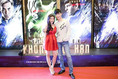 nathan lee tre trung di xem phim cung hoc tro ho quynh huong - 6