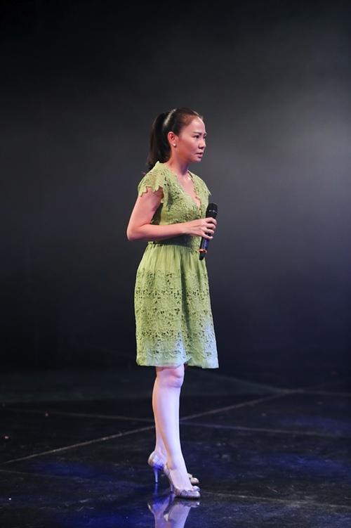 "thu minh thanh lich lam ""co giao"" cho thi sinh vietnam idol - 1"