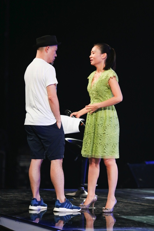 "thu minh thanh lich lam ""co giao"" cho thi sinh vietnam idol - 5"