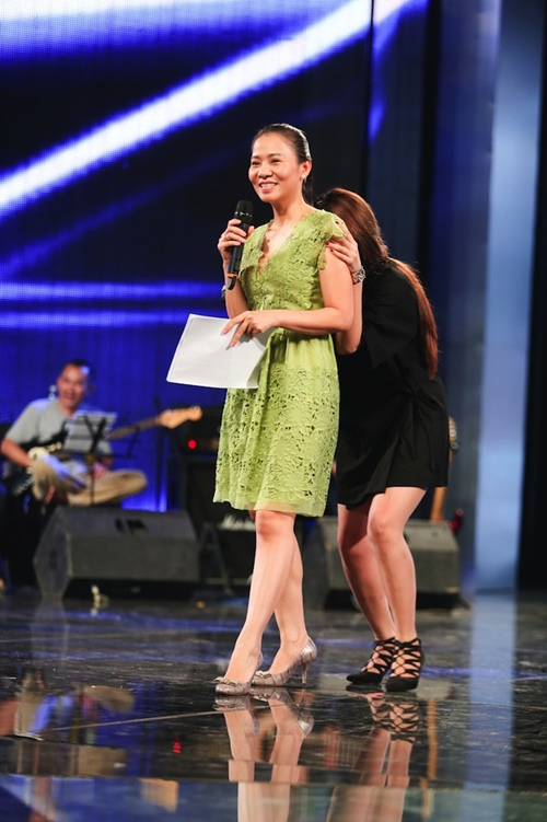 "thu minh thanh lich lam ""co giao"" cho thi sinh vietnam idol - 12"