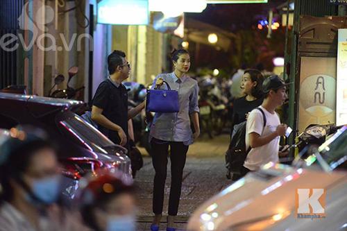 """pham huong vui ve di cafe, hat karaoke giua """"tam bao"""" the face - 5"""