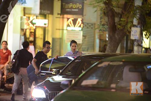 """pham huong vui ve di cafe, hat karaoke giua """"tam bao"""" the face - 4"""