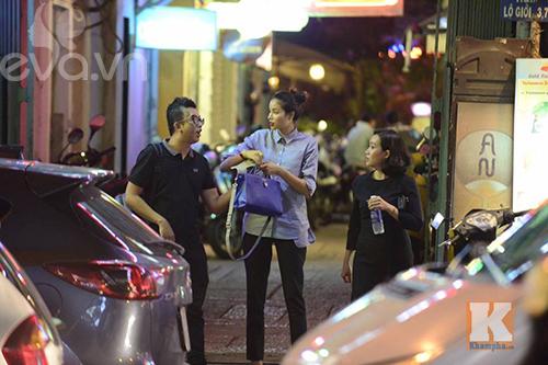 """pham huong vui ve di cafe, hat karaoke giua """"tam bao"""" the face - 7"""