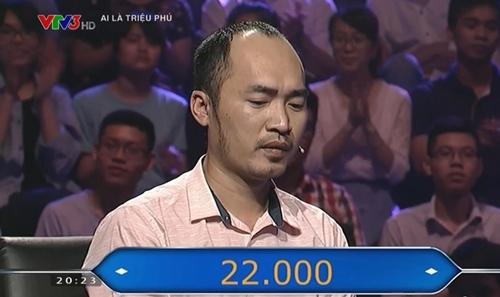 "dien vien hai tien luat am 22 trieu dong khi di choi ""ai la trieu phu"" cung vo thu trang - 4"