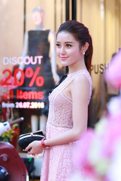 """khong phai ky duyen, huyen my moi la guong mat """"dat show"""" nhat hien nay - 2"""