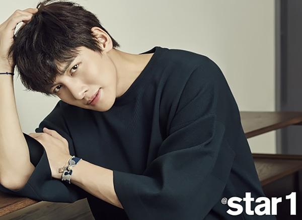 "ngoi sao 24/7: song joong ki ""danh bai"" kim soo hyun la sao hot nhat xu dai - 3"