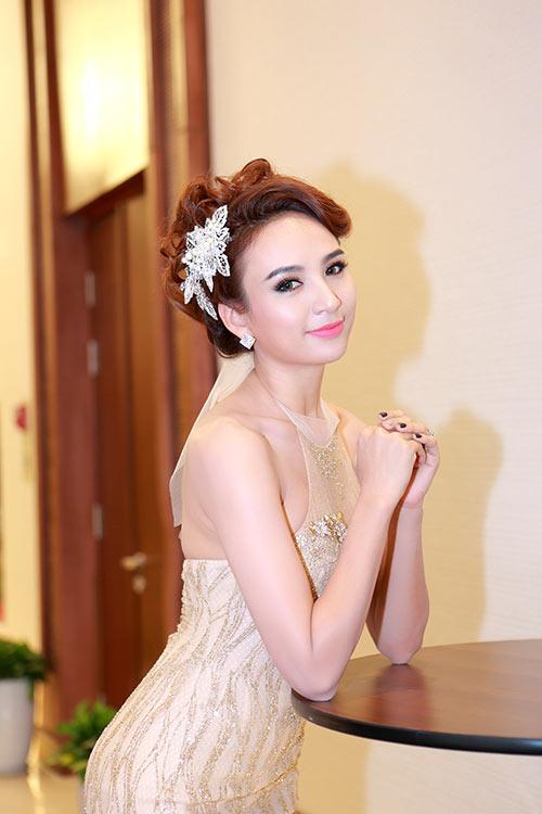 "ngo phuong lan ""vac"" bung bau di cham thi nhan sac - 14"