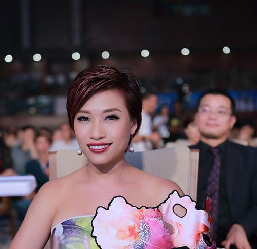 "ngo phuong lan ""vac"" bung bau di cham thi nhan sac - 6"