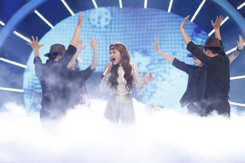 vietnam idol: co gai philippines hat hit cua my linh, lan at thi sinh viet - 13