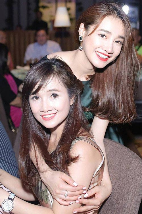 "3 chi gai cua my nhan viet  la ""ba me bim sua"" van xinh dep khong kem em - 11"