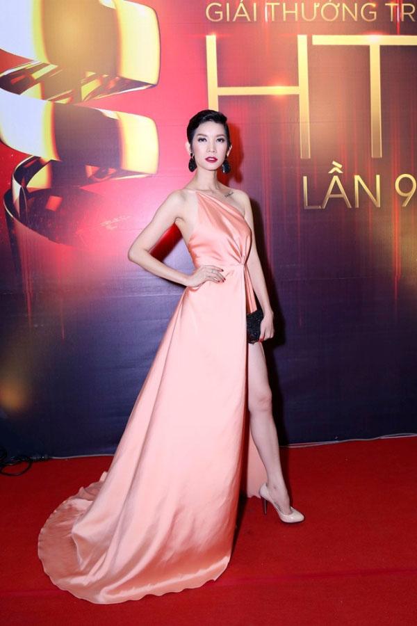 "vietnam's next top model: 3 nguoi dep ""thet ra lua"", giau, gioi va nong bong - 18"