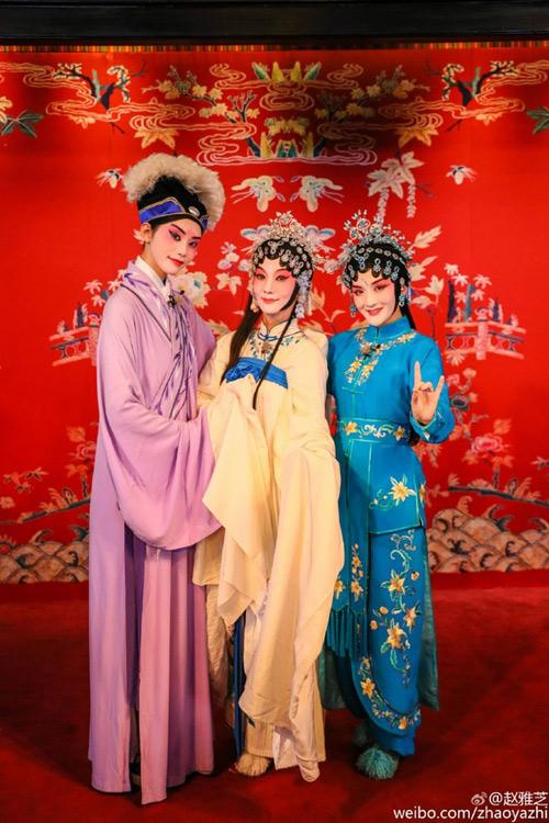 """61 tuoi, """"bieu tuong sac dep tvb"""" trieu nha chi van """"tre mai khong gia"""" - 5"""