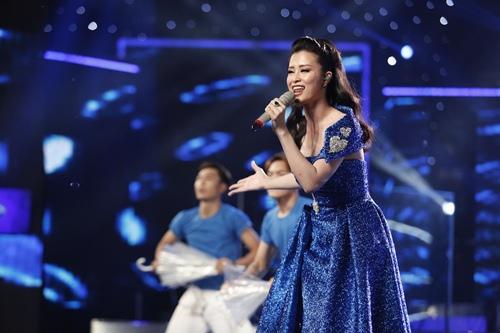 "vietnam idol: dong nhi dep ""hop hon"", janice phuong khien thu minh kham phuc - 3"