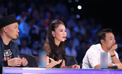 "tv show tuan qua: huong - khue ""that the"" duoi tay ha ho, vietnam idol gap su co - 1"
