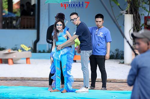 vietnam's next top model 2016: thanh hang ran de thi sinh thieu nghiem tuc - 4