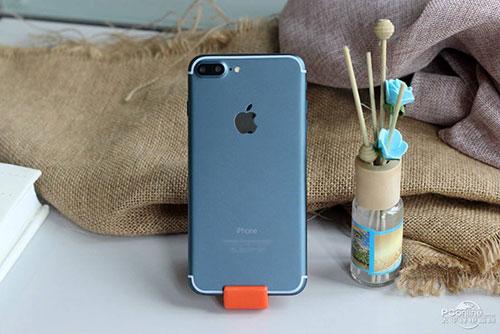 iphone 7 xanh dam dep kho cuong trong bo anh moi - 2