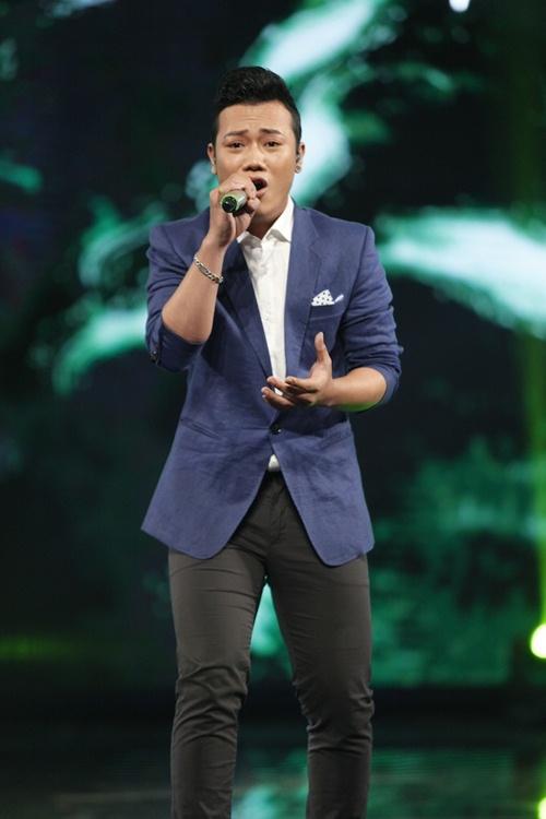vietnam idol: co gai ngoai quoc lam thu minh, bang kieu nghe khong hieu van ngat ngay - 11